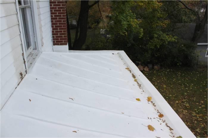 1 roof with elastomeric coating